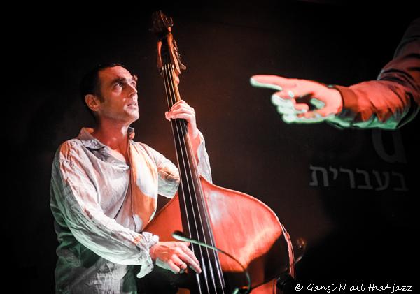 סיימון סטאר צילמה גנגי איך תצלמו תמונה מושלמת: טיפים של צלמת מוסיקה