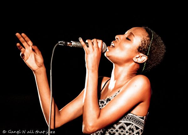 אסתר רדא צילמה גנגי איך תצלמו תמונה מושלמת: טיפים של צלמת מוסיקה